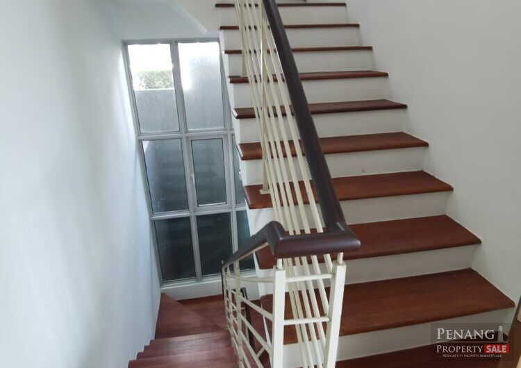 4 storey semi detached house  at Island Resort For Sale