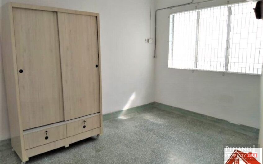 Single storey Semi D with large compound, new plumbing and paint